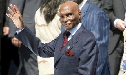 Trois éminents constitutionnalistes se prononcent sur la candidature du chef de l'état à la présidentielle de 2012